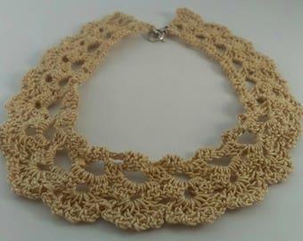 The Choker necklace in beige crochet cotton