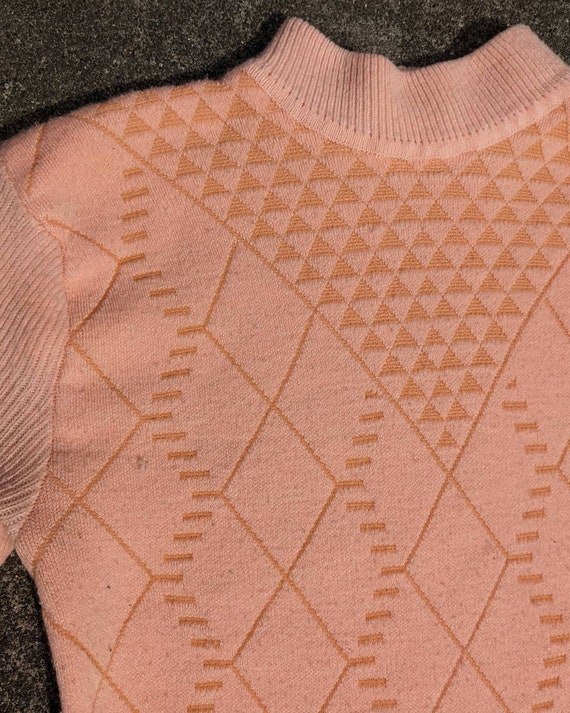 80s Peach Textured Knit Mockneck Sweater / S-M - image 2