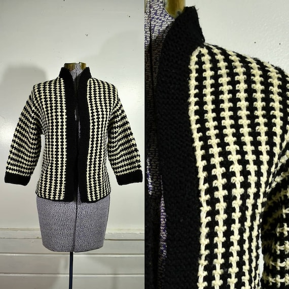 1960s Handmade Chunky Black & White Knit Open Crop