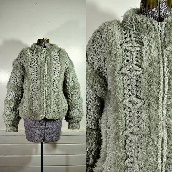 1970s Chunky Knit Zip Front Cropped Jacket with Fu