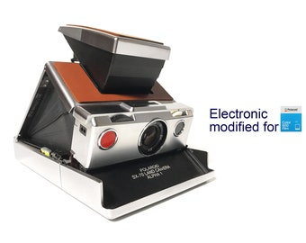 Polaroid SX70 Alpha 1 - Electronic modified for 600 Films