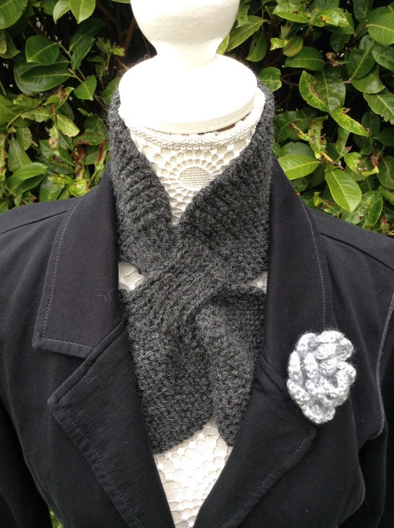 Ascot Miss Marple Neck Tie Hand Vintage Keyhole Textured Alpaca Slotted ScarfGrey Mix Scarflette 1940s Looped Wrap Wool Style Bow Knitted SVGLMzjqUp