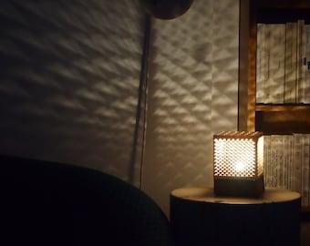 Lampe triangles géométriques
