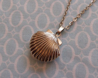 Antique Silver Plated Seashell Locket Pendant Necklace