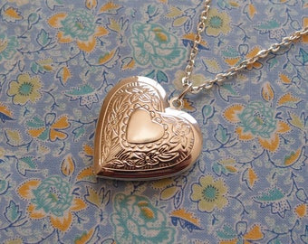 Silver Plated Floral Detail Heart Locket Pendant Necklace