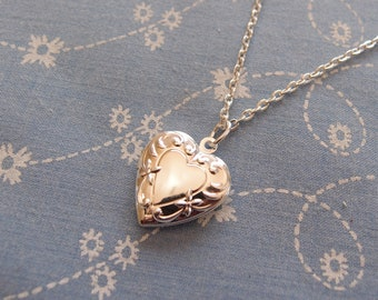 Small Silver Plated Heart Locket Pendant Necklace