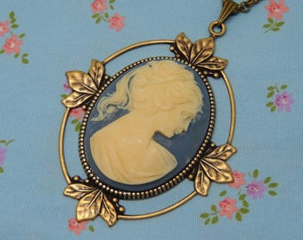 Vintage Lady Cameo Antique Brass Plate Leafy Setting Necklace