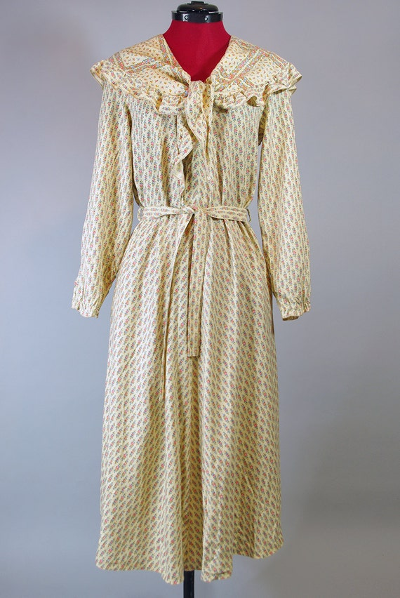 1920s  Dress / Vintage Pleated Dress. Day Dress. M