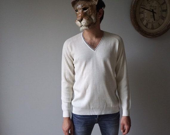 70s Ivory V-neck Knit Sweater / Vintage Lightweigh