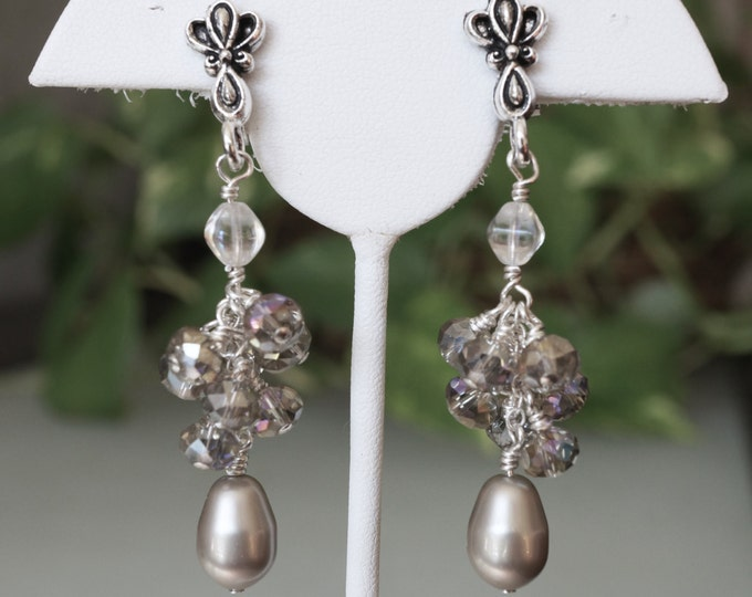 Free Shipping! Vintage Style in Platinum BRIDAL /Party - Cluster Earrings with Swarovski Drop Beads and Czech Crystals