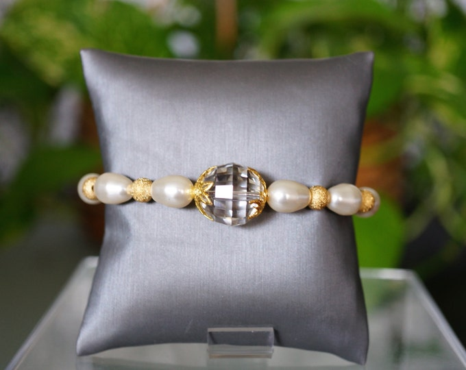 Free Shipping! Bridal Bracelet with Swarovski Checkerboard Crystal Focal and Gold Plated Stardust Beads and Swarovski Drop Cream Pearls