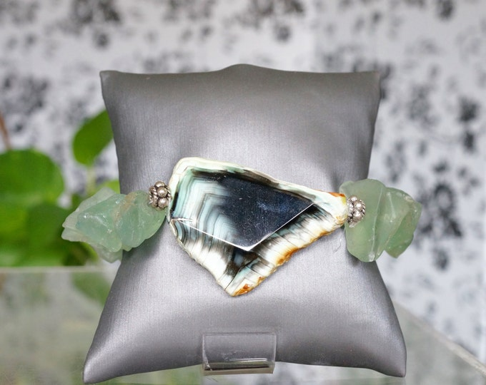 Free Shipping! Chunky Green Fluorite Nugget Bracelet with Black and Green Agate Focal