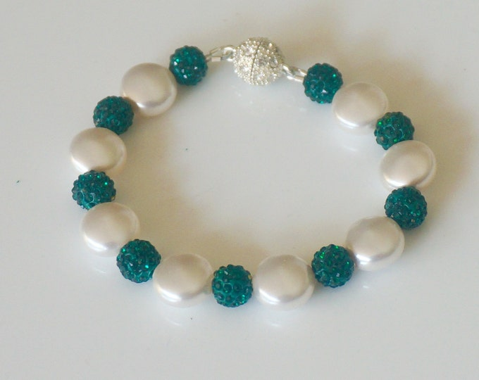 Free Shipping! Handmade Bracelet in White Swarovski Coin Pearls and Emerald Green Rhinestone Balls