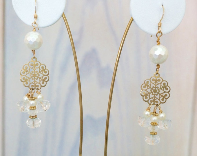 Free Shipping! Bridal Dangle Cluster Goldtone Earrings with Swarovski Crystals and Pearls