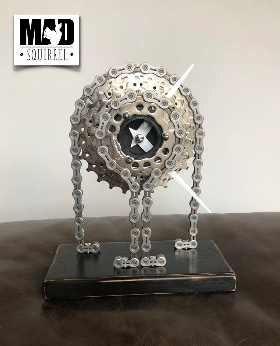 Beautiful and individualy made Rear Cassette Clock, made from a rear cassette and chain