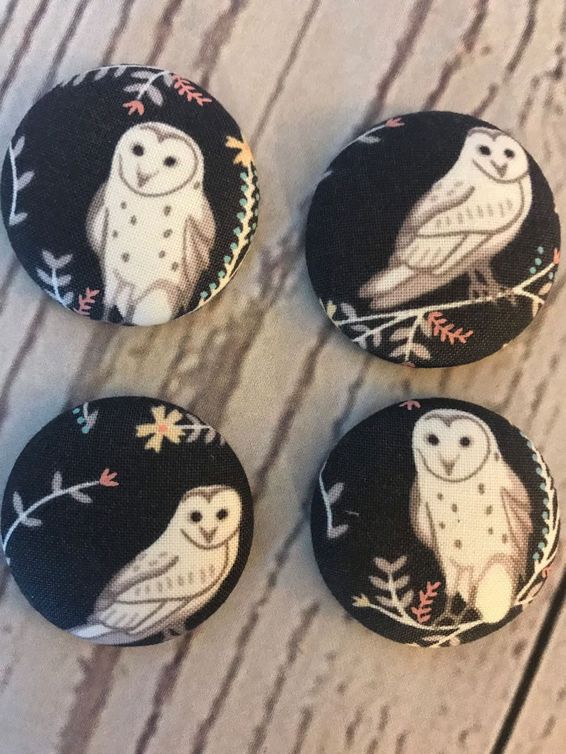 SET OF FOUR Fabric covered button magnets  snowy owl with image 0