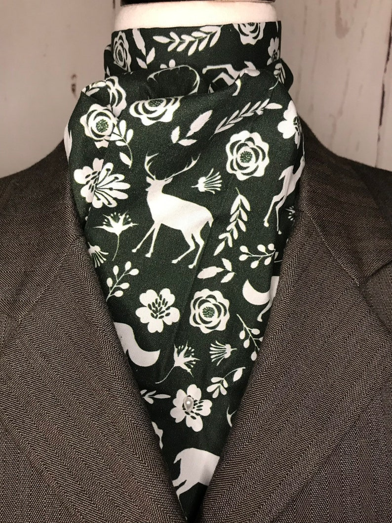 Hunter Green and White Woodland Animals and flowers Four Fold image 0