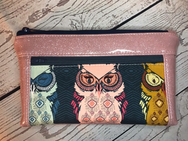 Awesome owl print wristlet or clutch bag with pink glitter image 0