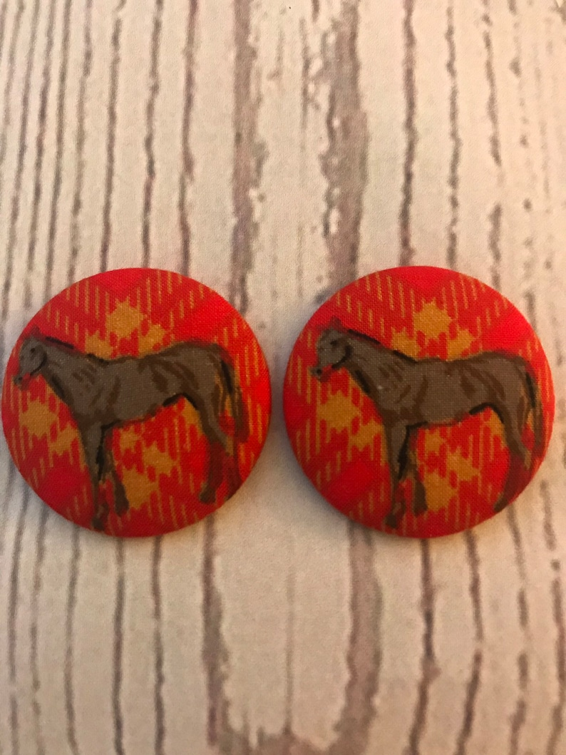 SET OF TWO Fabric covered button magnets bay horse on red image 0