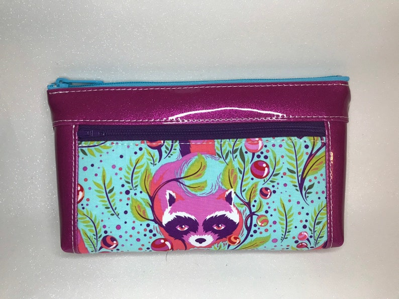 Awesome raccoon print bag with hot pink glitter vinyl. Zipper image 0