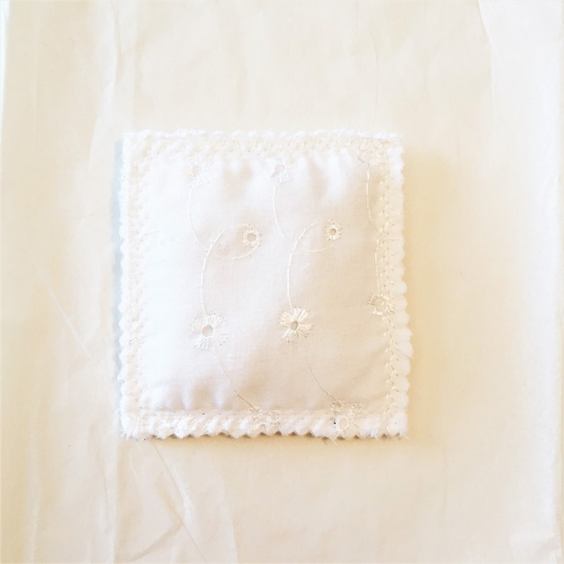 Drawer Sachet,Organic Stress Relief,Natural Anxiety Relief,Organic Sleep Aid,Handmade Sachet,Housewarming Gift White Eyelet Lavender Sachet