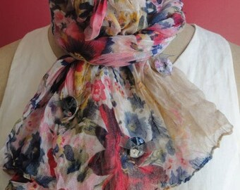 "Scarf ""Flowering DE PARIS"" illustrated by buttons in resin"