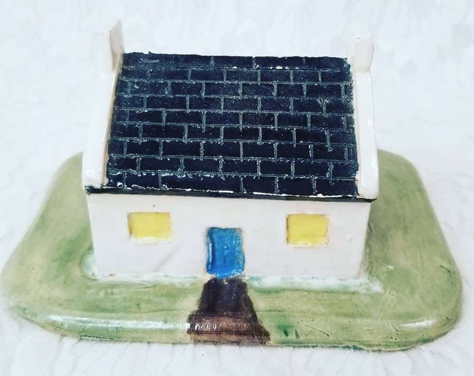 Strange Art Ceramic Miniature House ~ Unmarked, Unsigned ~ Felt on Bottom