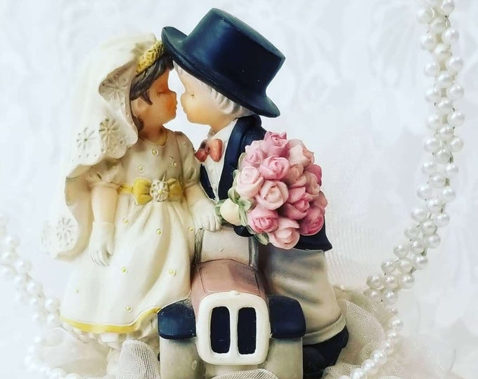 Antique 1950's Bride and Groom Figurine ~ Wedding Cake Topper ~ Kissing over a Car ~ Great Condition ~ Couple Gift ~ Anniversary