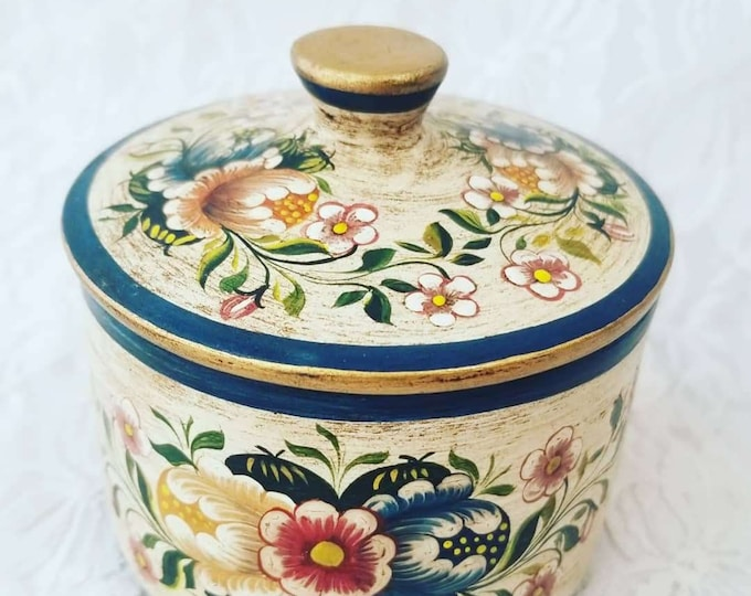 Amazing Handmade OOAK Trinket Box with Lid ~ From Peru ~ Hand Painted ~ Art Pottery