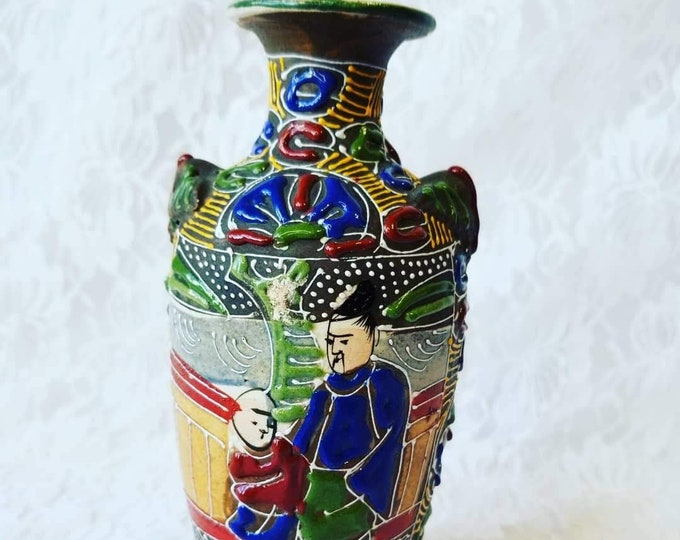 "Antique Unmarked Satsuma Moriage ""Father and Son"" Vase ~ Early Asian Art Pottery ~ 6.8"" tall ~ 3D Texture ~ Hand Painted"