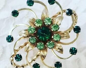Vintage 1950s Green Glass Rhinestone Brooch ~ Retro Rhinestone Brooch