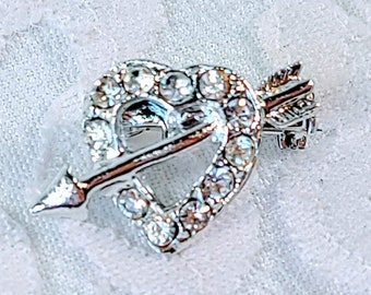 Antique Silvertone 1950s Heart Arrow Clear Cut Glass Rhinestone Brooch ~ Silver Paste Brooch ~ Vintage Rhinestone Pin