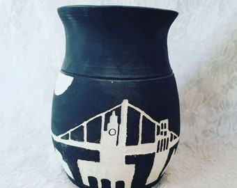 Art Pottery Vase ~ UNsigned ~ Clay Skyline Bridge Vase ~ Collectible Vase ~ Modern ~ Home Decor ~ San Francisco ~ New York