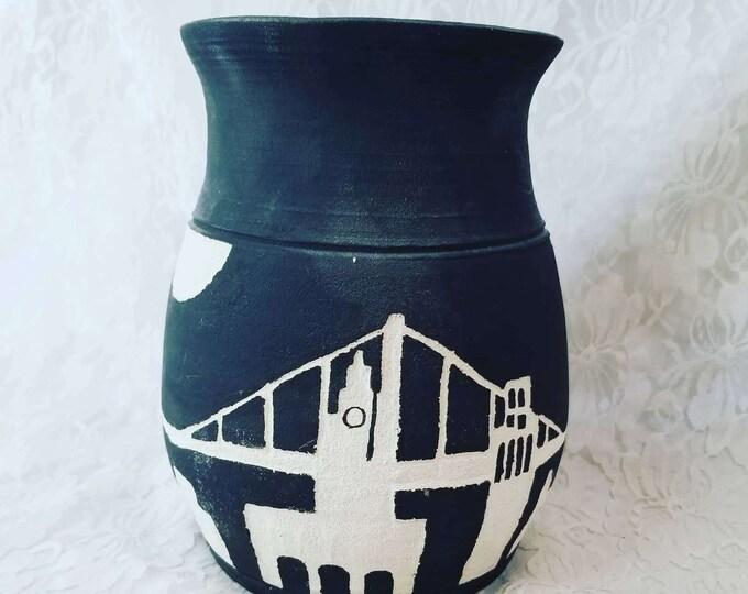 Art Pottery Vase ~ UNsigned ~ Clay Skyline Bridge Vase ~ Collectible Vase ~ Modern ~ Home Decor ~ San Francisco ~ New York