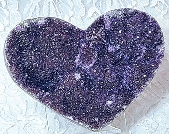 """No Reserves HUGE Heart Shaped Raw Purple Amethyst DRUZY Geode HEART with Stand ~ 4.25"""" by 3.25"""" ~ Healing Crystal ~ Goddess Artemis & Diana"""