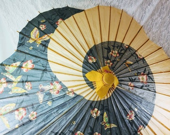 Vintage Japanese Bamboo and Rice Paper Parasol with Spiral Design and Scalloped Edge ~  Authentic Antique 1940's Sun Parasol from Japan