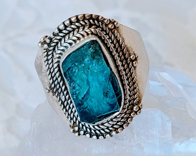 Intense! Neon Blue Rough Raw Apatite Sterling Silver Ring ~ Size 8 ~ Marked 925 ~ Cleanse Aura ~ Promotes Creativity and Psychic Ability