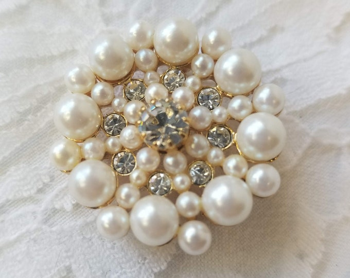 Vintage Circle Brooch 1950s Aurora Borealis Cut Glass Crystal Rhinestones and Pearls Brooch ~ Can be Worn as Pendant as well