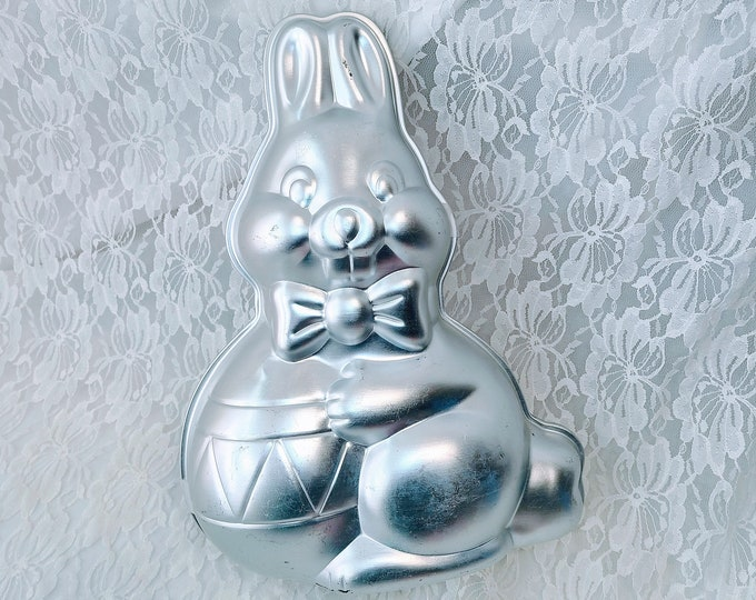Vintage Aluminum Wilton Easter Bunny Rabbit 1984 502-3452 ~ 2-piece 3D Cake Mold Pan Tin ~ Baking Supplies ~ Comes with Instructions!