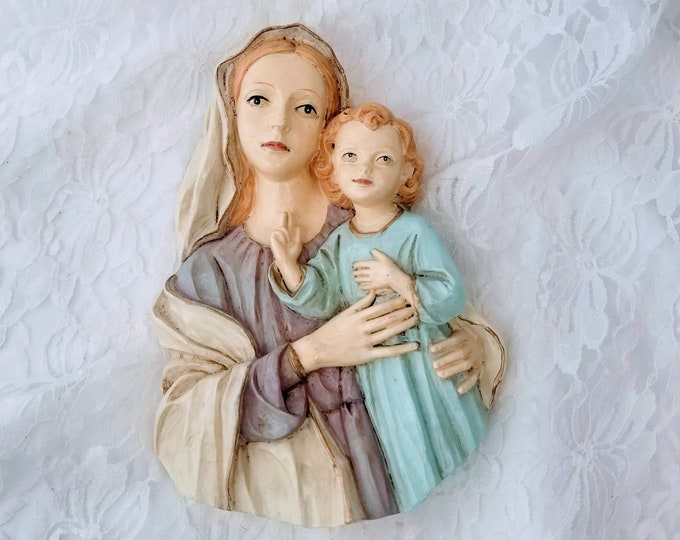 "Madonna and Child ~ Virgin Mary with Baby Jesus ~ Wall Hanging ~ Made in Italy ~ Chalkware 8"" by 5.5"""