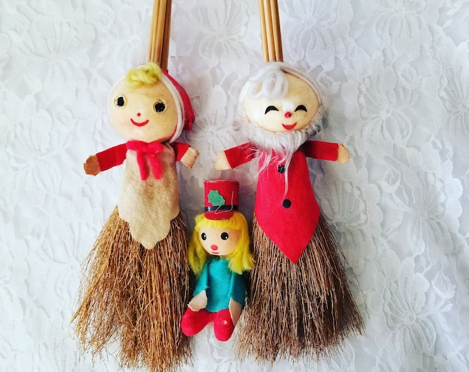 Vintage 1960s Santa and Mrs Claus Whisk Broom Set ~ Plus extra ~ Holiday Decor ~ Country Christmas ~ Holiday Decoration