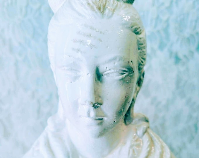 "Amazing Porcelain 22"" Statue ~ Guanyin Kwan-yin Bodhisattva Statue ~ Goddess Guanyin the Goddess of Mercy and Compassion SOLD As-Is"