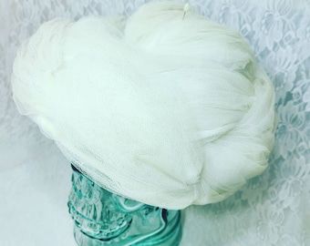 Vintage Union Made 1950-1960s Tulle Mesh Turban Style Pillbox Era Hat Great Condition With TAG