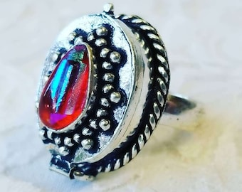 No Reserves ~ Sterling Silver and Red Dichroic Glass Poison Ring ~ Secret Compartment Ring ~ Size 8 ~ Big Compartment!