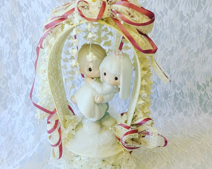 Vintage 1980s Precious Moments Bride and Groom Figurine ~ Wedding Cake Topper ~ Great Condition ~ Couple Gift ~ Anniversary