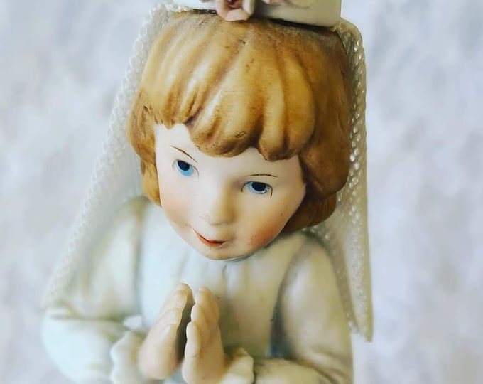 Vintage Roman's Confirmation Communion Girl Music Box ~ Plays Unknown Song ~ Dresden Lace Veil ~ Marked Underneath