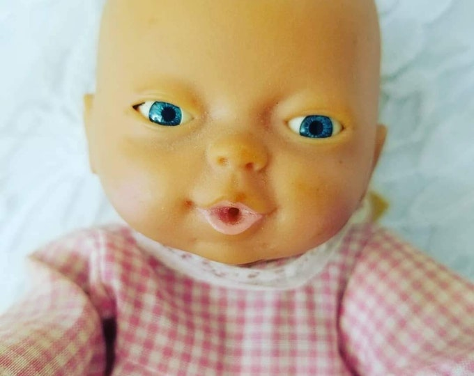"Vintage 1980s Emson Anatomically Correct Female baby Girl 8.5"" Vinyl Jointed Plastic Baby Doll in Original Clothing"