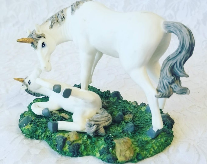 "Vintage UNICORN Mother and Child 3.5"" by 5"" Porcelain Unicorn Figurines Statue ~ Unicorn ~ Fairy Garden ~ Unicorns"