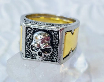 Gift for Him (or Her) Skull Ring with Secret Stash Compartment ~ Talisman Amulet ~ Silver and Gold Plated Steel ~ Seiðr ~ Ásatrú Blessing