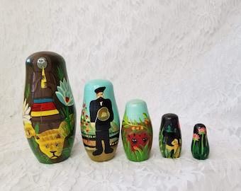 Hand Painted Wood Matryoshka Russian Dolls Set of 5 ~ India? Brazil? ~ Nesting Dolls ~ Strange and Unusual Hunting? Scenes